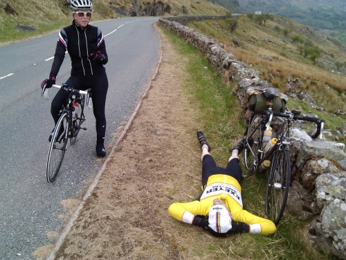 IanH's back was aching so had a lie down.  Caroline had a flat Di2 battery